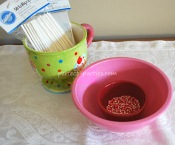 how to add sprinkles to cake pop