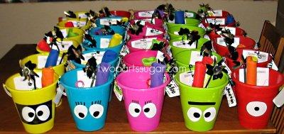 yo gabba gabba favor buckets