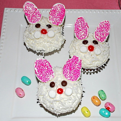 Cute bunny cupcakes for Easter.