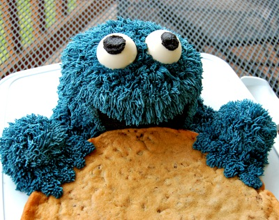 Cookie Monster Eating a Huge Cookie!