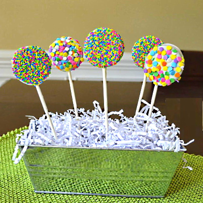 Use different containers to display your oreo pops.