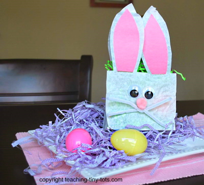 Make this cute lunchbag bunny to hold party treats.